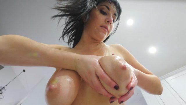 Allesandra - Busty Seductive One